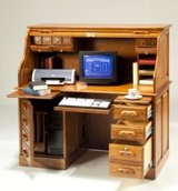 UF - Colonial Style Computer Desk - BRAND NEW in Wiesbaden, GE