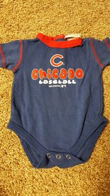 Cubs onsie 6/9mo in Bolingbrook, Illinois