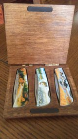 3 Folding Vanadium SS Knives Wooden Box Set Wildlife Scene in Houston, Texas