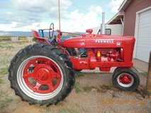 reduced FARMALL M FARM TRACTOR first $750 cash takes it in Alamogordo, New Mexico