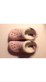 Crocs Girls Cotton Candy Pink Lined W/heel strap Sz 12-13 in Aurora, Illinois