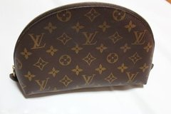 ???LOUIS VUITTON MONOGRAM COSMETIC BAG??? in Okinawa, Japan