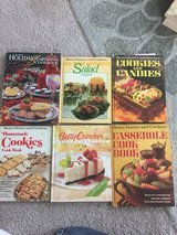 Various Better Homes & Gardens, Betty Crocker's, and other cookbook/recipe book in Naperville, Illinois