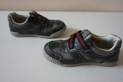 Boys Children's Place Black/Grey Shoes Size 11 in Lockport, Illinois