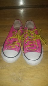 Pink converse sz 12 in Spring, Texas