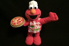 Singing Pizza Elmo Retired 2006 in Glendale Heights, Illinois