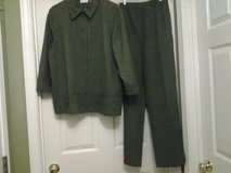 Alfred Dunner Green  2 pc in Eglin AFB, Florida