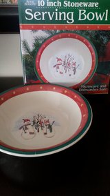 "NIB 10""  X-Mas Serving Stoneware Bowl in Joliet, Illinois"