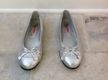 Girls Silver Flat Shoes - Rachel Brand Size 3.5 in Naperville, Illinois