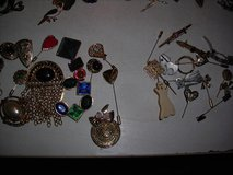 COSTUME Brooch & Hair Pins in Alamogordo, New Mexico