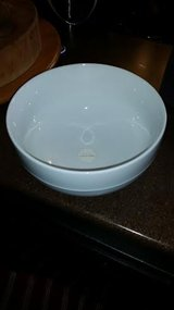"New / White / 10"" Baking / Serving Bowl in Fort Campbell, Kentucky"