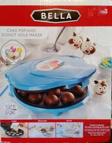 Bella Cake pop and donut hole maker *NEW* in Fort Campbell, Kentucky