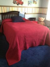 Red Quilted Queen Size Quilt with 1 Navy Blue Pillow Sham Bedding in Joliet, Illinois