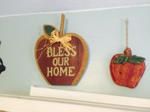 Kitchen Apple wall decorations in Camp Lejeune, North Carolina