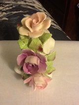 Vintage ROYALE STRATFORD 4 ROSES ARRANGEMENT in Camp Lejeune, North Carolina