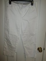 Coldwater Creek Capri pants in White, size 4, Natural Fit - like new!!! in Bolingbrook, Illinois
