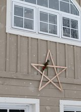 Wood pallet Christmas holiday star in Camp Lejeune, North Carolina