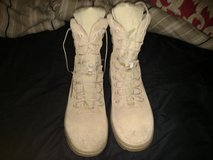 Boots size 10 in Fort Rucker, Alabama