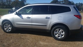 2010 CHEVY TRAVERSE LS in Fort Polk, Louisiana