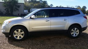 2010 CHEVY TRAVERSE LT in Fort Polk, Louisiana