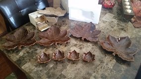 BNIB: Pottery Barn Leaf Plates/Leaf Dipping Bowls in Fort Campbell, Kentucky