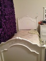 Two twin bed,and one Matress one dressing table in Fairfax, Virginia