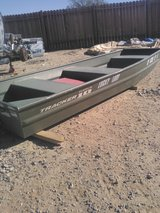 Boats 10ft in 29 Palms, California