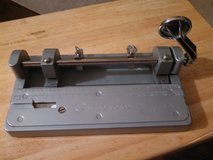 Wilson jones Hummer 2 hole punch in Kingwood, Texas
