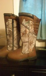 Youth Realtree Snake Boots Brand new never worn in Warner Robins, Georgia