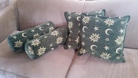 Like NEW! Turkish Throw Pillows in Fort Campbell, Kentucky