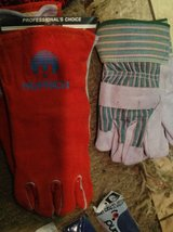 Welding gloves in Elizabethtown, Kentucky
