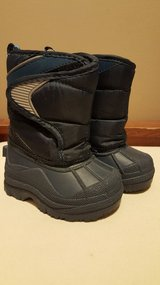 Childrens place winter/snow boots in Joliet, Illinois