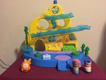 Bubble Guppies Swim-sational School in Fort Lewis, Washington
