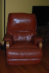 Recliner Chair, Leather. Your new favorite chair in Bolingbrook, Illinois