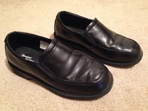Boy's Dress Shoes Size 2 1/2M in Glendale Heights, Illinois