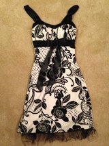 Girls Dress Size XS in Glendale Heights, Illinois