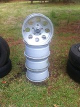 16inx8 Ford metric bolt pattern in Fort Polk, Louisiana