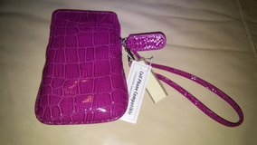 phone wristlet in Houston, Texas
