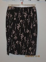 Juniors Black/Grey Print Skirt in Bolingbrook, Illinois