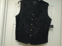*NEW* Laura Scott Black Vest in Eglin AFB, Florida