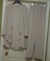 Biege 2pc Blouse/Pants in Eglin AFB, Florida