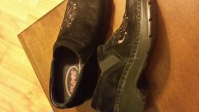 Klogs black suede embroidery shoes in Fort Bragg, North Carolina