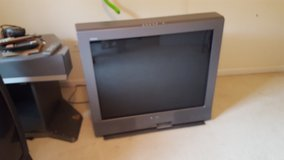 2 Large TVS and 1 stand in Fort Belvoir, Virginia