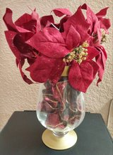 *Last Week!* Poinsettia Arrangement in Alamogordo, New Mexico