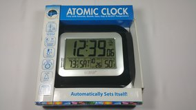 New Atomic Clock from La Crosse Technology in Tinley Park, Illinois