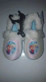 Frozen slippers 9/10 toddler in Vacaville, California