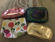 Bare minerals and Clinique Soft makeup/cosmetic cases/bags in Batavia, Illinois