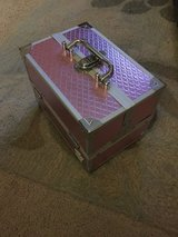 Pink caboodle hard makeup/cosmetic case train case in Batavia, Illinois