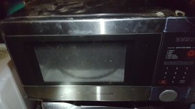 very nice Black Microwave in Fort Campbell, Kentucky