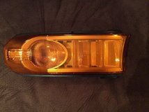 TOYOTA FJ CRUISER OEM PASSENGER RH MARKER LIGHT in Westmont, Illinois